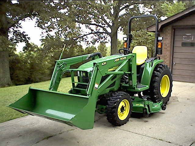 JOHN DEERE 4410 4X4 COMPACT TRACTOR (35 HP) WITH LOADER